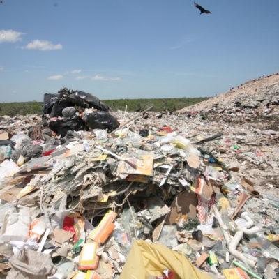 Intenta Gobernador apropiarse mérito del cierre del basurero de Villas Otoch y desata 'guerra de boletines'