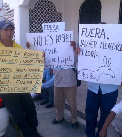 Se manifiestan campesinos de Bacalar en Chetumal y piden la destitución de Mendicuti