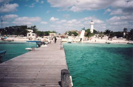 Reiteran rechazo a terminal de combustible en Puerto Morelos