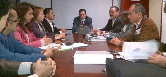 Solicita Ricalde 832 mdp del presupuesto federal para 18 proyectos en Cancún en 2013