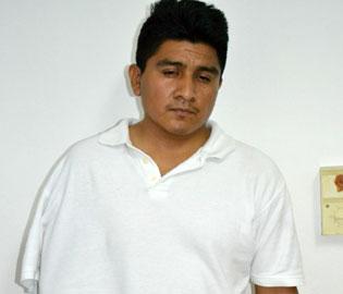 Detienen al marido de mujer que apuñaló a otra mujer en estacionamiento en Cancún