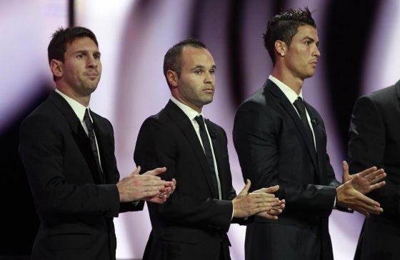 Van Messi, Iniesta y Ronaldo por el Balón de Oro