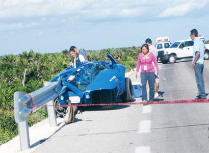 Mueren dos turistas de cruceros en trágico accidente en carretera oriental de Cozumel; uno más, grave