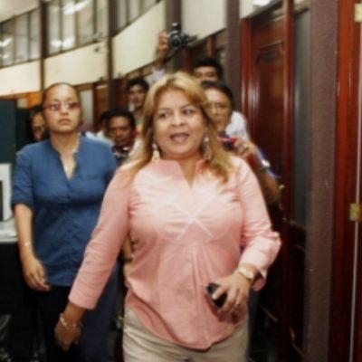 """Edith Mendoza Pino, """"con un pie fuera de la cárcel"""", asegura abogado; juez incurrió en desacato al fijar millonaria fianza, dice"""