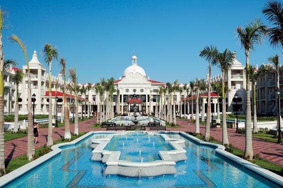 Reabrirán el Riu Palace en Playa del Carmen tras invertir 16 mde en remodelación