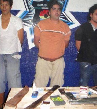 Tras persecución policiaca, detienen a trío de empistolados en Cancún