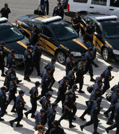 Dan de baja a 67 policías en 6 meses en Cancún