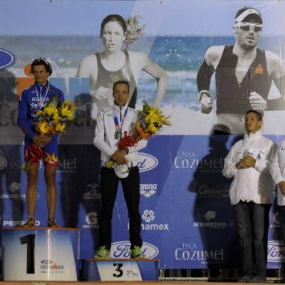Un español y una estadounidense ganan el Ironman Cozumel 2012