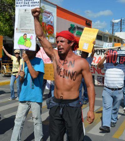Marchan en Chetumal y Cancún contra la 'imposición' de Peña Nieto