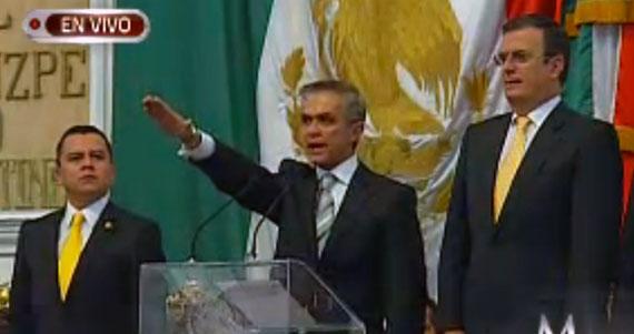 Asume Mancera Gobierno del DF y nombra a Cuauhtémoc Cárdenas como coordinador de asuntos internacionales