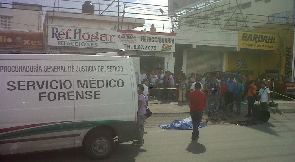 Muere ciclista aplastado por un camión de la empresa Autocar en la Portillo de Cancún