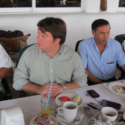 Con la ausencia de comunidad científica, se reúnen empresarios con portomorelenses para tratar de convencerlos de 'beneficios' del 'Dragon Mart Cancún'