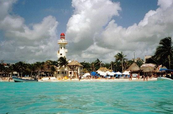 Plantean extender recuperación de playas hacia la Riviera Maya y Cozumel