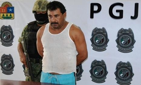Detienen a taxista por denuncia de extorsión a una familia en Cancún