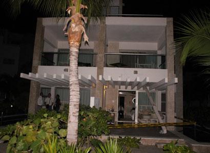 Muere turista de EU cuando una viga se desprendió del techo en un hotel de la zona continental de Isla Mujeres