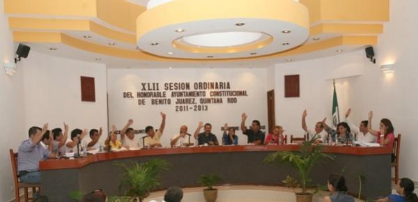 Avala Cabildo a nuevos funcionarios y aprueba reglamentos del rastro y basura