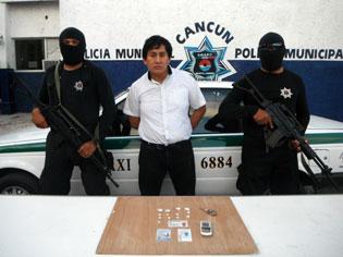 Capturan a narcotaxista que entregaba droga a domicilio en Cancún
