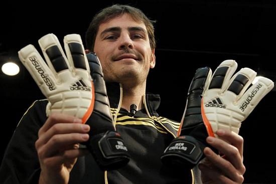 Iker Casillas es nombrado el mejor portero del mundo por 'The Guardian'