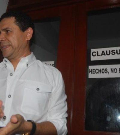 Reaparece Greg en la Plaza de la Reforma, dice que no robó y 'clausura' el Ayuntamiento de Ricalde
