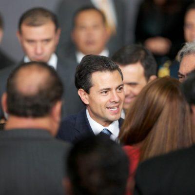 Se pone Peña austero: publica decreto para bajar 5% salarios a mandos medios y superiores