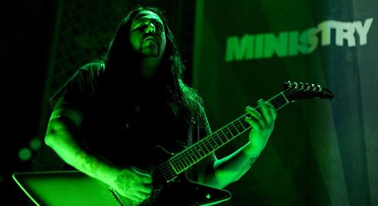 Mike Scaccia, guitarrista de Ministry y Rigor Mortis, muere en pleno concierto
