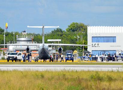 Trasladan a la SEIDO a cubanos recapturados y a 5 empleados del INM que quedarán bajo arraigo