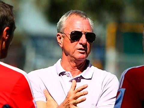 Dice Cruyff no saber nada del repentino cese de su contrato con las Chivas