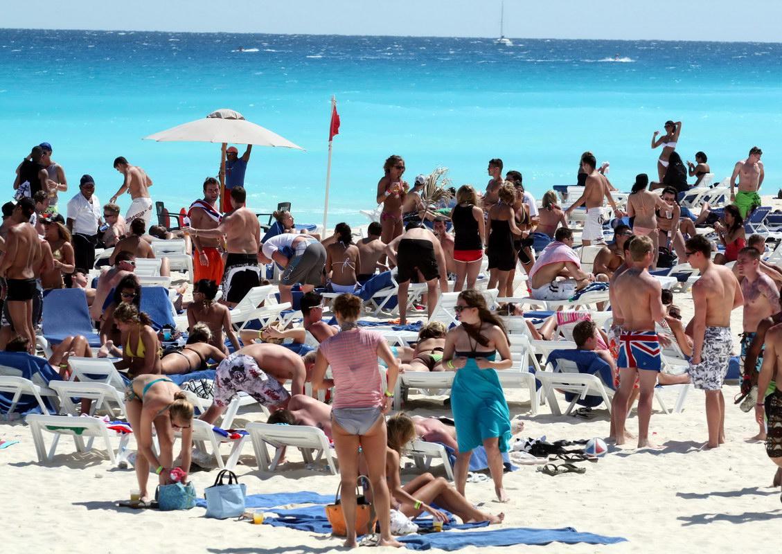 Terminará Cancún con nuevo récord de afluencia turística; sumaría todo QR 16.5 millones de visitantes en 2012