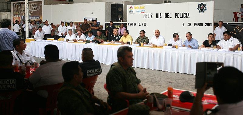 Reconoce Julián Ricalde a policías municipales