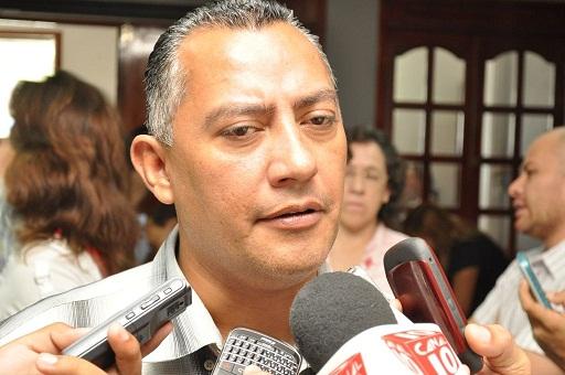 """Califica Carlos Mario Villanueva """"positivo"""" el aplazamiento de sentencia de su padre en NY"""