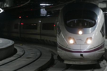 Lanzarían licitación del Tren Transpeninsular para fines del 2013