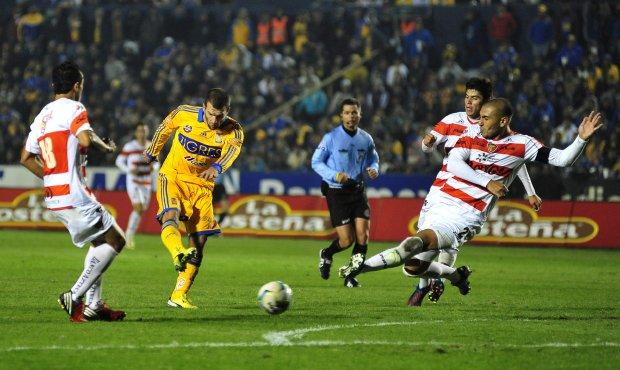 Vence América 2-1 al Monterrey en su primer partido del torneo