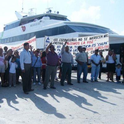 Realizan protesta contra el alza de tarifas de barcos en la ruta Playa-Cozumel