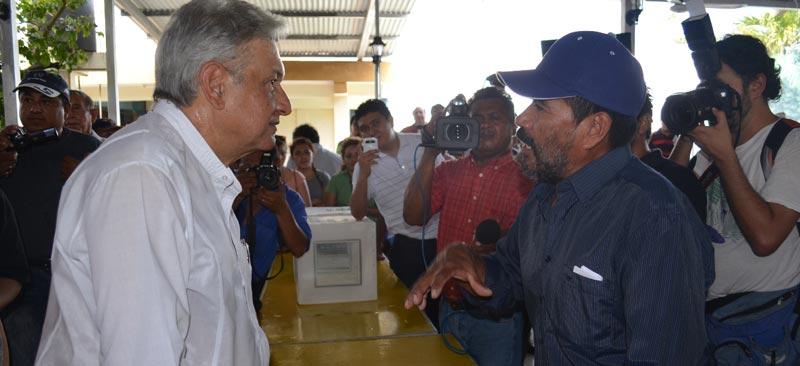 López Obrador llega a Chetumal y abre fuego contra Pedro Joaquín
