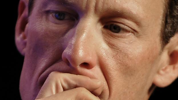 Se disculpa Lance Armstrong con personal de su fundación antes de grabar entrevista con Oprah