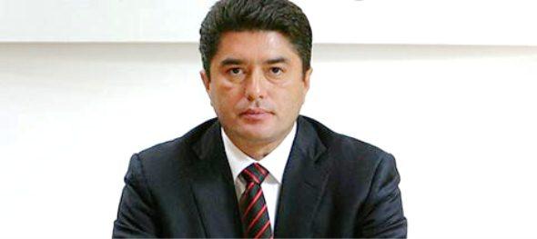 Acusa diputado Meckler a Senador Félix González de usar aviones rentados por el Gobierno de QR para sus viajes personales