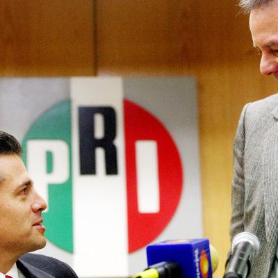 Gana Pedro Joaquín Coldwell más que el Presidente: reporta ingresos por $194 mil 861, 2 casas, 1 departamento, 2 terrenos, 1 edificio y 6 locales