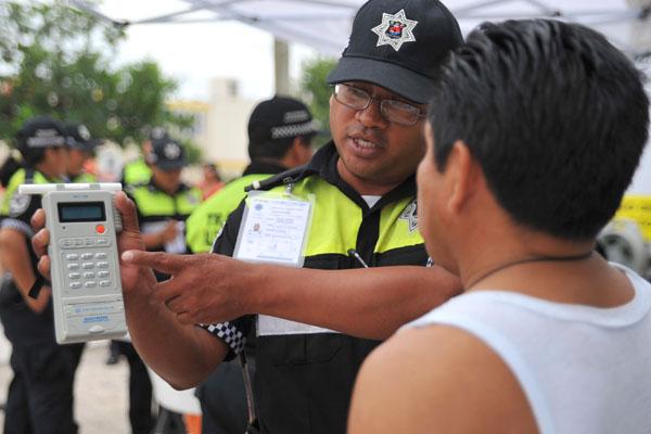 Reduce alcoholímetro el 35% de accidentes en Cancún