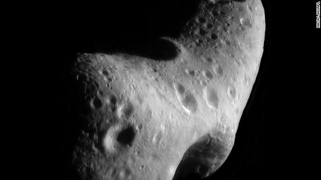 Un asteroide de 50 metros pasará entre la Tierra y la Luna en febrero