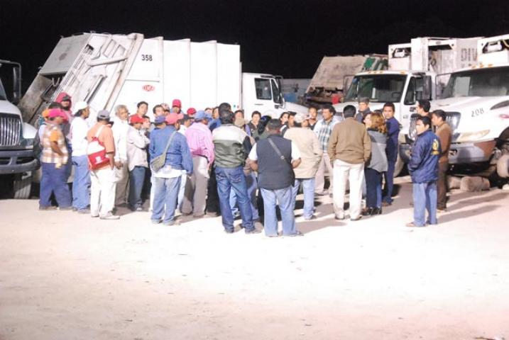 ESTALLA LA CRISIS EN CHETUMAL: Paran labores trabajadores de la comuna de OPB en reclamo del pago de aguinaldos