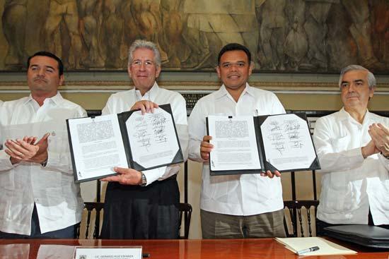Firman SCT y Yucatán primer convenio para el proyecto del Tren Transpeninsular