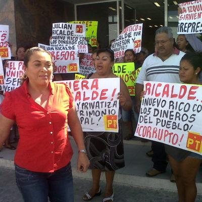 Protestan petistas contra Julián Ricalde por haberlos echado del Ayuntamiento de BJ
