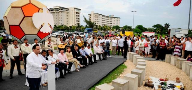 Removerán el 'Balón de la Paz' que puso Borge en la Zona Hotelera de Cancún