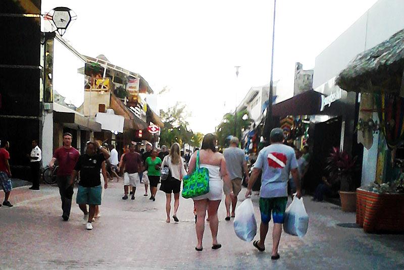 Extienden hasta la Avenida CTM zona peatonal de la Quinta Avenida de Playa del Carmen