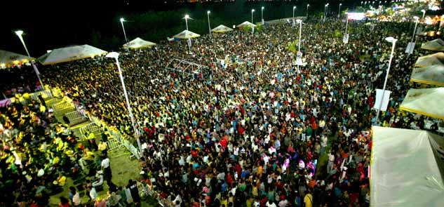 Más de 70 mil personas atiborran el Malecón Tajamar durante los primeros 3 días del Carnaval de Cancún… y la fiesta sigue