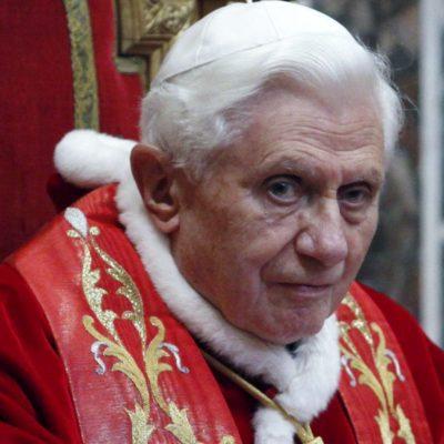 Analizan en El Vaticano adelantar la elección del nuevo Papa
