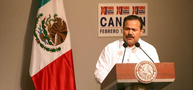 FORO NACIONAL DE TURISMO: Pide Ricalde a Peña tener en cuenta necesidades de seguridad y servicios públicos para Cancún