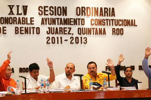 Aprueban reglamentos y acuerdos en maratónica sesión de Cabildo de Cancún: habrá internet gratis en parques