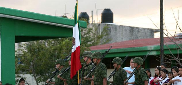 Celebran en Cancún el día del Ejército Mexicano