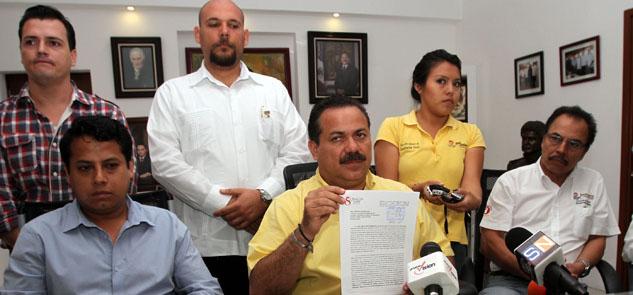 Constituye Julián Ricalde comité especial para revisar la viabilidad de otorgar o no la licencia de construcción del 'Dragon Mart Cancún'